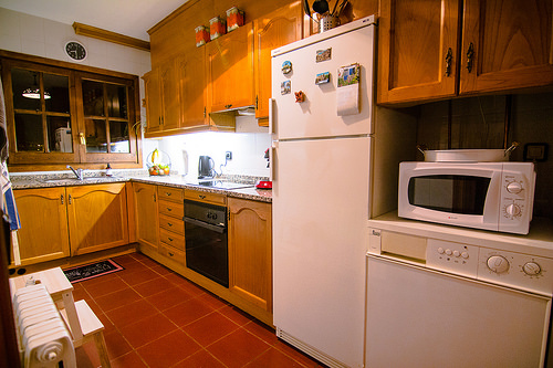 Fully equipped kitchen including oven stove fridge and microwave - Els Refugis Canillo
