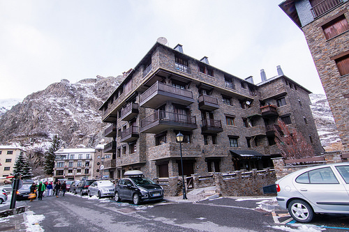 Outside view of the building - Els Refugis Canillo